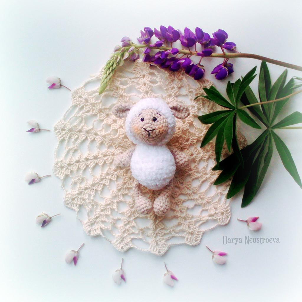 Маленький барашек для куколки, фото, картинка, схема, описание, бесплатно, крючком, амигуруми