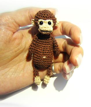 PDF Карманная обезьянка схема вязаной игрушки крючком