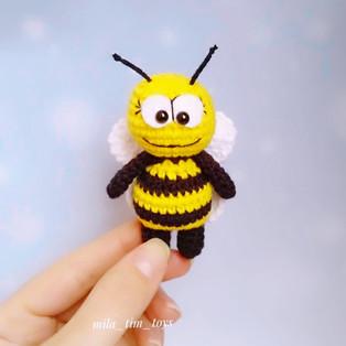 PDF Карманная пчёлка схема вязаной игрушки крючком