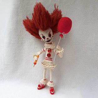 PDF Клоун Пеннивайз схема вязаной игрушки крючком