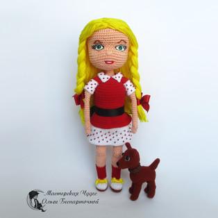PDF Кукла Элли и Тотошка схема вязаной игрушки крючком