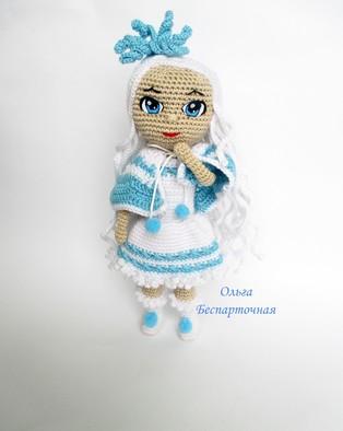 PDF Кукла Снежинка схема вязаной игрушки крючком