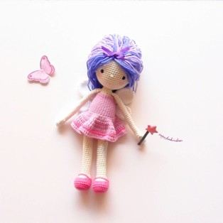 PDF Куколка Блоссом схема вязаной игрушки крючком