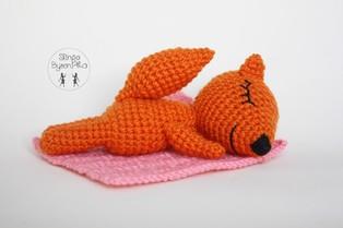 PDF Лисичка сплюшка схема вязаной игрушки крючком
