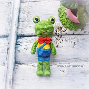 PDF Лягушонок Квакуш схема вязаной игрушки крючком