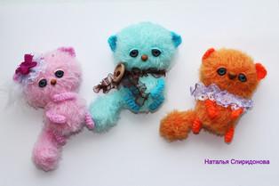 PDF Маленькие котики схема вязаной игрушки крючком