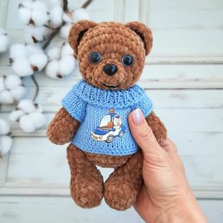 PDF Медведь в свитере схема вязаной игрушки крючком