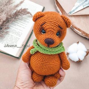 "PDF Медвежонок ""Бернард"" схема вязаной игрушки крючком"