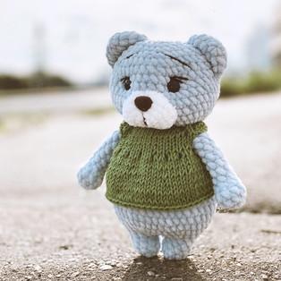 PDF Медвежонок Сэми схема вязаной игрушки крючком