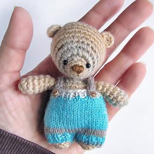 PDF Медвежонок Васятка схема вязаной игрушки крючком