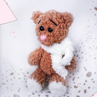PDF Мишутка Кроха схема вязаной игрушки крючком