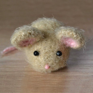 PDF Мышки схема вязаной игрушки крючком