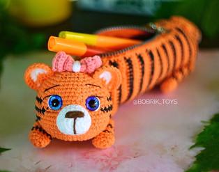 PDF Пенал Тигрёнок схема вязаной игрушки крючком