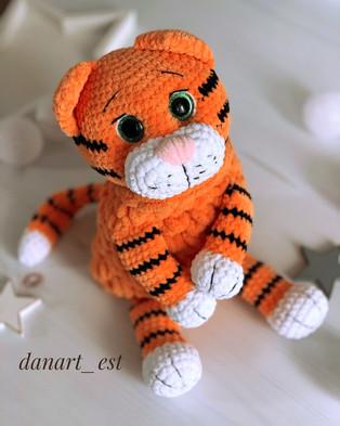 PDF Пижамница Тигр схема вязаной игрушки крючком