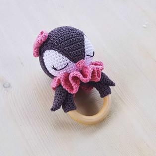 PDF Погремушка Пингвин схема вязаной игрушки крючком