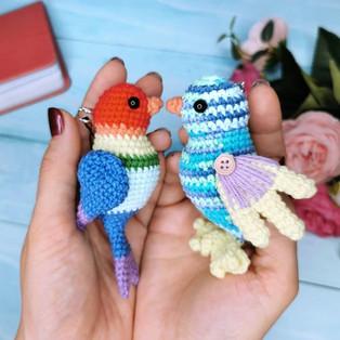 PDF Птички-брелоки схема вязаной игрушки крючком