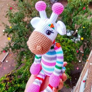 PDF Радужный жираф схема вязаной игрушки крючком