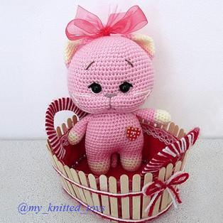 PDF Розовый котёнок схема вязаной игрушки крючком