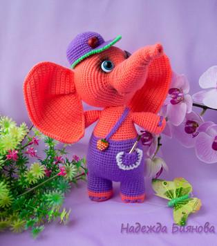 PDF Слонёнок Пуфф схема вязаной игрушки крючком
