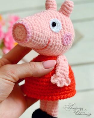 PDF Свинка Пеппа схема вязаной игрушки крючком